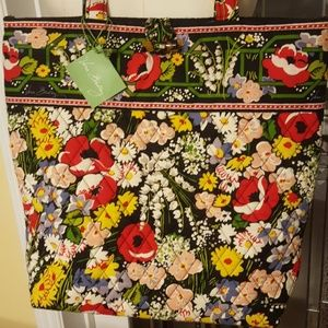 NWT Vera Bradley quilted tote in Poppy Fields